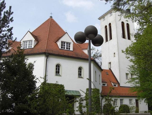 Immobilienverkauf an der Waldkirche in Planegg